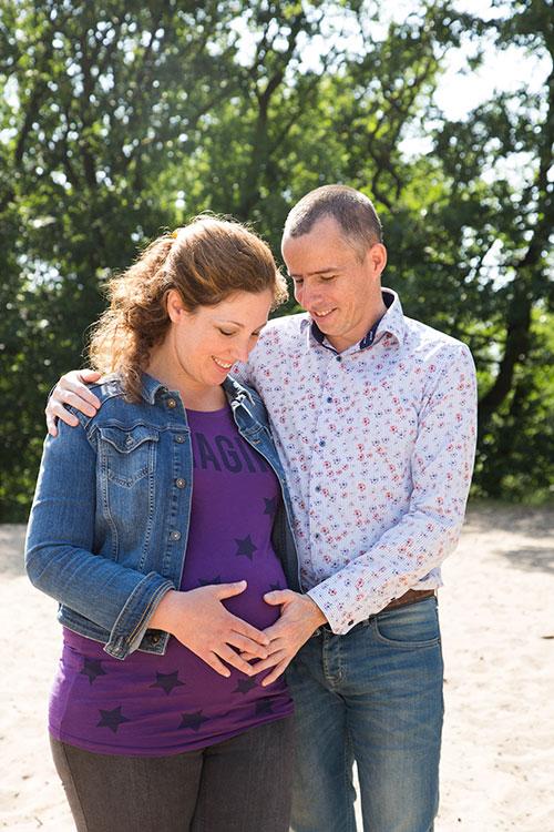 zwangerschapsfotoshoot buiten