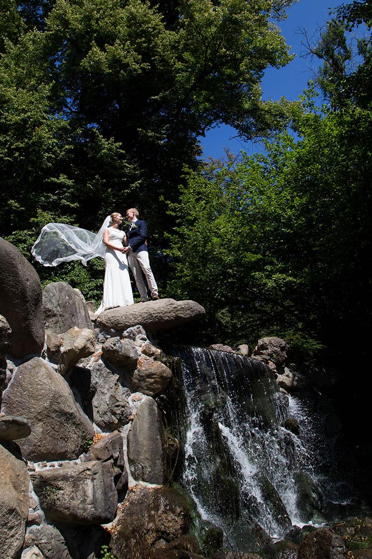 professionele bruidsfotograaf buiten