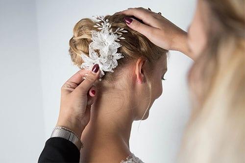 aankleden bruid