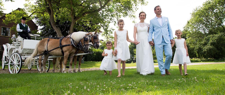 trouwfotograaf buiten bruiloft