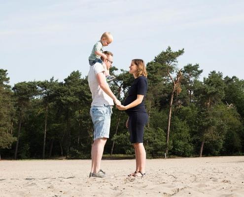 fotoshoot zwangerschap gezin