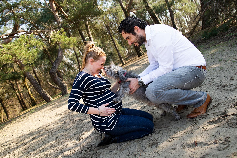 zwangerschapsshoot met hondjes