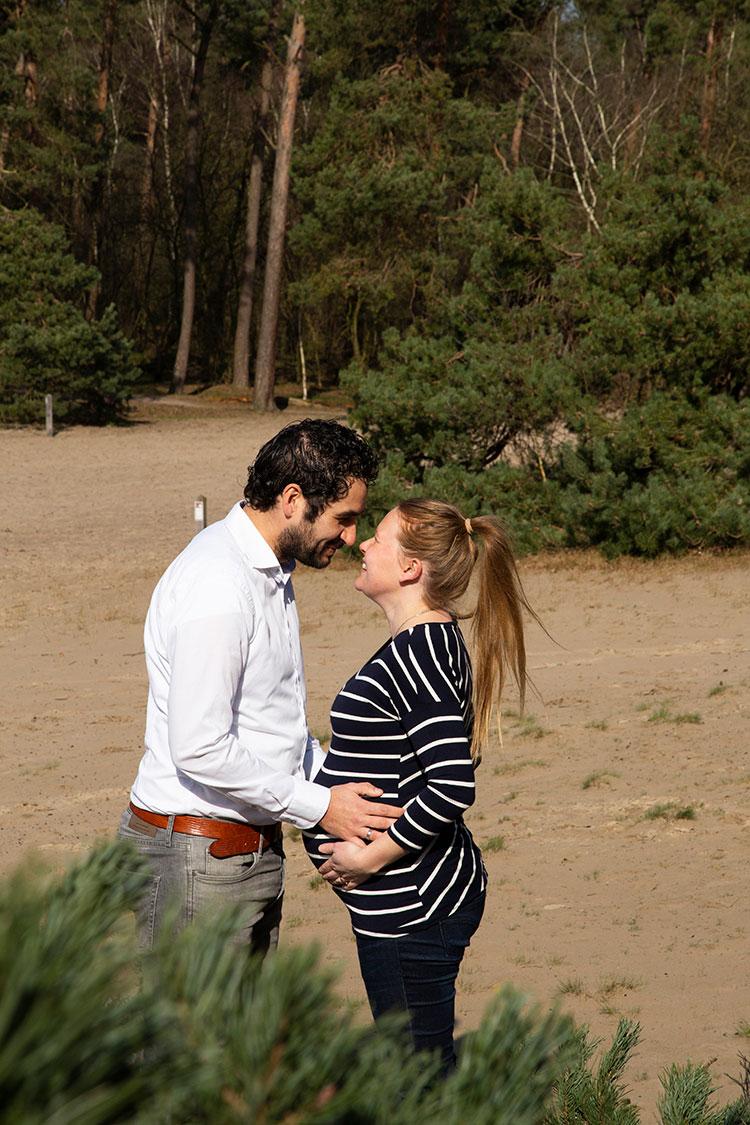 love en zwangerschapsshoot