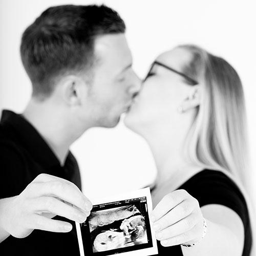 Originele zwangerschaps foto met echo